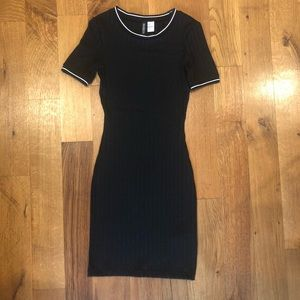 H&M BodyCon Sexy Dress 🖤🕷🎱